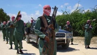 فورين بوليسي: إيران استخدمت جماعة الشباب الصومالية لتهريب الأسلحة والنفط الى الحوثيين
