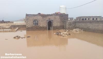 الرئيس هادي يوجه بسرعة إغاثة المتضررين من السيول وتسخير كافة الإمكانيات لذلك
