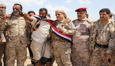 وزير الدفاع: قطعنا على أنفسنا العهد على استعادة الدولة وصنعاء ستتحرر قريباً