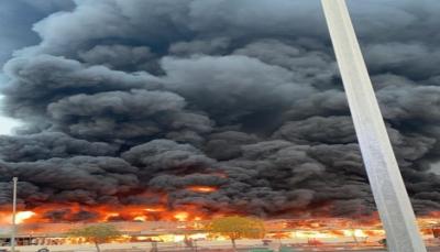 حريق هائل يشب في أكبر أسواق إمارة عجمان الإماراتية ولا ضحايا  (فيديو)
