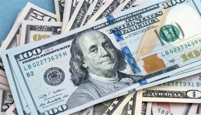 الدولار يسجل أعلى مستوى في أسبوع بعد مدة من الخسائر