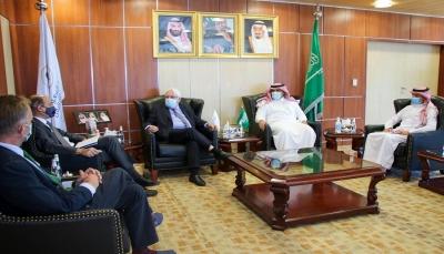 غريفيث يبحث مع السفير السعودي مستجدات تنفيذ اتفاق الرياض