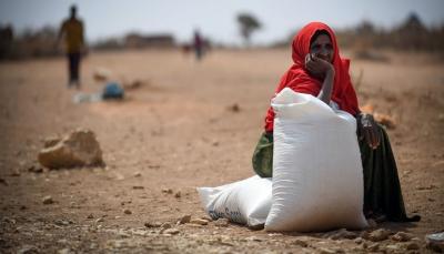 خبير اقتصادي: نصف المساعدات المُقدّمة لليمن تذهب نفقات إدارية