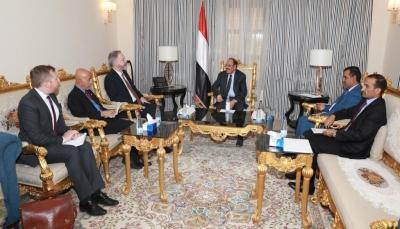نائب الرئيس: صمت مجلس الأمن والمجتمع الدولي عن اعتداءات الحوثيين يعقد من فرص السلام