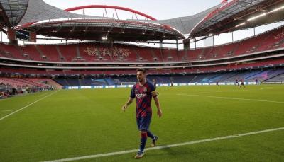"""""""ميسي"""" أبلغ كومان أنه لا يستبعد مغادرة برشلونة"""