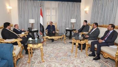 """رداً على الإنتقالي.. الرئاسة تؤكد على ضرورة تنفيذ اتفاق الرياض """"بدون أي إعاقة أو تعطيل"""""""