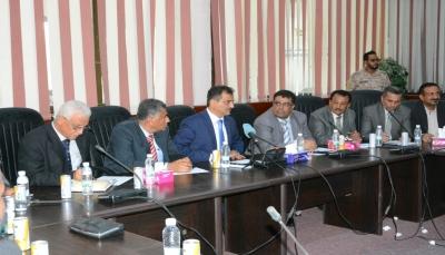 """محافظ عدن """"لملس"""": الحكومة تقر اعتماد موازنة عاجلة للمحافظة"""