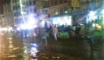 عقب إحتجاجات.. الحوثيون يشنون حملة اختطافات ومداهمات بمدينة دمت في الضالع