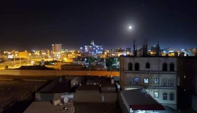 مليشيات الحوثي تستهدف مدينة مأرب بثلاثة صواريخ بالستية وطائرات مُسيرة