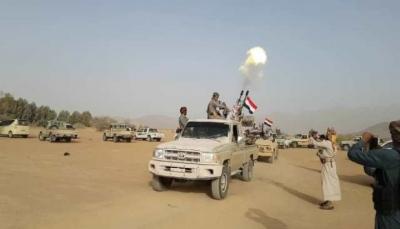 أهدرت دم كل من يتعامل أو يسهل للحوثيين.. قبائل مراد توقع وثيقة للدفاع عن أرضها من الميلشيات