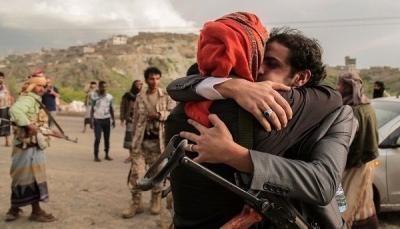 بينهم ناصر هادي وسياسيين.. محادثات بين الحكومة والحوثيين في جنيف لتبادل 1420 أسيرا