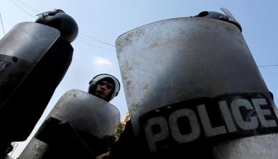 الأمن المصري يفض مظاهرة مناهضة للسيسي بقنابل الغاز والخرطوش