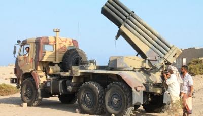"""ناطق الجيش الإيراني يعترف بنقل بلاده لـ""""التقنية الدفاعية"""" إلى الحوثيين"""