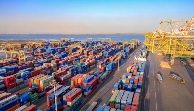 مؤسسة موانئ خليج عدن تطالب الرئيس هادي بالتدخل لفتح نشاط الميناء