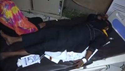 بعد تلقيها هزيمة قاسية.. مليشيات الحوثي تستهدف المدنيين وإصابة امرأتين قنصا جنوب الحديدة