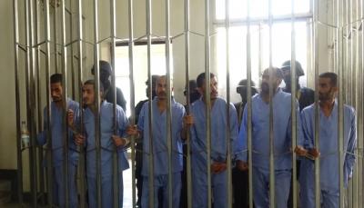 """صنعاء: نيابة الحوثيين تطالب بإعدام 5 متهمين بقتل وتعذيب الشاب """"الأغبري"""""""