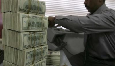 """العراق: خبراء يكشفون بالأرقام حجم """"الأموال الضائعة"""" والتي تكفي لبناء دُول"""