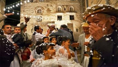"""""""الشاب قبيلي والفتاة هاشمية"""".. قيادي حوثي يمنع إقامة حفل زفاف في إب لأسباب عنصرية"""