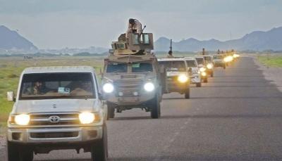 """وسط صمت حكومي.. مليشيا الإمارات تقيم عرضًا عسكريًا في """"سقطرى"""""""