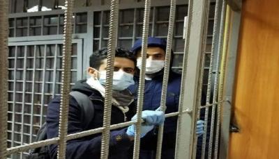 الشرطة الروسية تعتقل طالبين يمنيين من أمام السفارة اليمنية وتظاهرة الكترونية رفضا لقرارات السفير