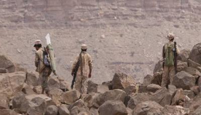 """مقتل نحو 30 حوثياً في معارك مع الجيش في """"جبهة نهم"""" شرق صنعاء"""