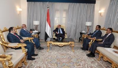 نائب الرئيس: مليشيات الحوثي تُشكل خطرًا متصاعدًا يهدد الملاحة الدولية