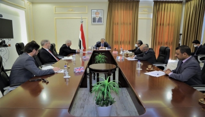 """الحكومة: تصعيد الانتقالي """"غير المبرر"""" لن يعيق تنفيذ اتفاق الرياض وعودة الدولة إلى عدن"""