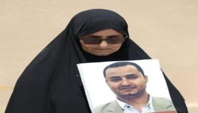 """""""يتعمدون إلحاق الضرر فيه"""".. الحوثيون يواصلون منع العلاج على الصحفي توفيق المنصوري"""