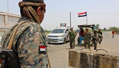 الإمارات تدفع بتعزيزات عسكرية إلى سقطرى والمحافظ يحمّل التحالف المسؤولية