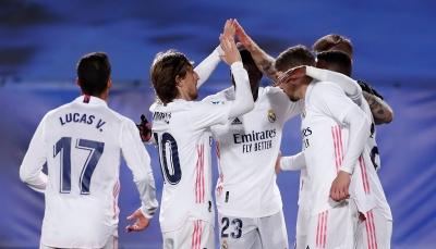 ريال مدريد يتخطى أتلتيك بيلباو ويقترب بثقة من الصدارة