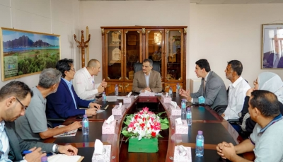 """""""التواصل"""" توقع اتفاقية لتنفيذ مشروع حفر عشرة آبار استبادلية بـ""""عدن"""""""