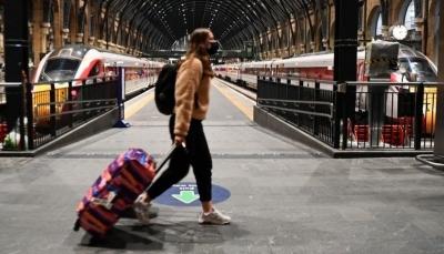 توصية أوروبية بتخفيف حظر السفر المفروض على بريطانيا بسبب سلالة كورونا الجديدة