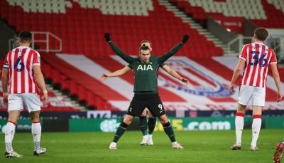 توتنهام يتأهل  إلى نصف نهائي كأس الرابطة الإنجليزية