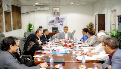 محافظ عدن يشدد على انجاز موازنة العام 2021م وفقًا لمقتضيات المرحلة