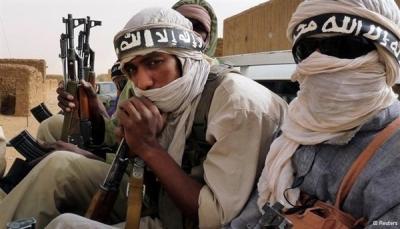 """مقتل جنود فرنسيين في """"مالي"""" وتنظيم القاعدة يعلن تبنيه الهجوم"""