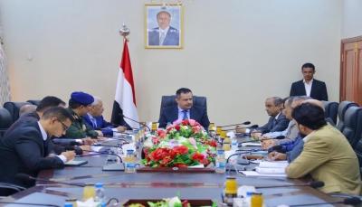 الحكومة تعلن تشكيل لجنة لحل الإشكالات وضبط تحصيل الإيرادات في منافذ البلاد