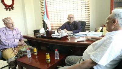 """""""الناصري والانتقالي"""" يتفقان على تشكيل جبهة تمرد على قرارات رئيس الجمهورية"""