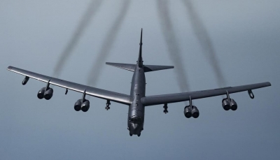 """للمرة السادسة.. البنتاغون يرسل قاذفة """"بي-52"""" إلى الشرق الأوسط"""