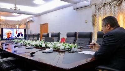 رئيس الحكومة يبحث مع مسؤول أممي آليات العمل الإنساني وعدم تأثره بتصنيف الحوثي منظمة إرهابية