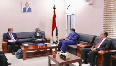 """الحكومة تدعو """"الأوتشا"""" لتوسيع أنشطته في عدن وبقية محافظات البلاد"""