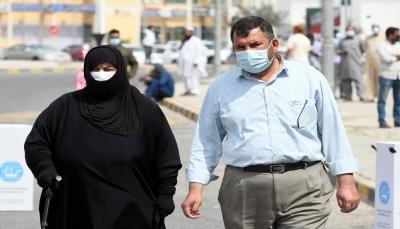 الكويت تمدد حظر التجول وقطر تعلق الدراسة في المدارس