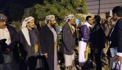 محافظ شبوة يعود إلى المحافظة بعد زيارة عمل إلى الرياض