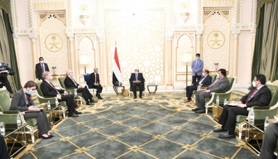 الرئيس هادي يلتقي المبعوث الأمريكي الخاص إلى اليمن