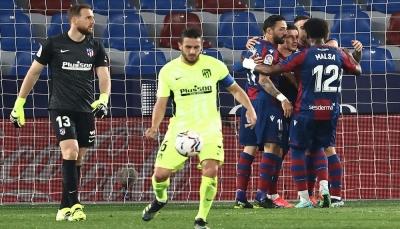 ليفانتي يُجبر أتلتيكو مدريد على التعادل ويحرمه من الابتعاد بالصدارة