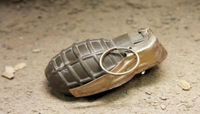 إب.. سقوط ثلاثة جرحى بانفجار قنبلة يدوية