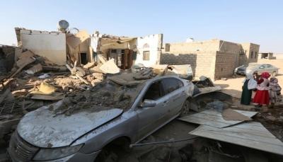 """مأرب.. مليشيات الحوثي تقصف قرى """"صرواح"""" بالصواريخ والمدفعية (فيديو)"""