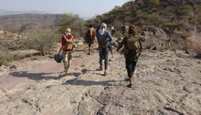 """التقدم مستمر في مقبنة.. الجيش يسيطر على موقعين استراتيجيين بـ""""الكدحة"""" غربي تعز"""