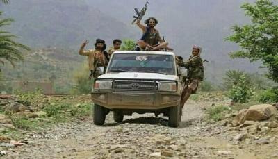 """تعز: قوات الجيش تستكمل تحرير """"الكدحة"""" وتلتحم بالقوات المشتركة"""