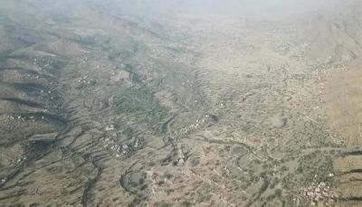 قتلى وجرحى بقصف حوثي استهدف مركزا لتوزيع المساعدات للنازحين غربي تعز