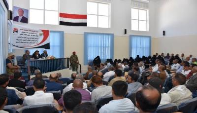 """محافظ تعز يوجه بتحصيل كافة الموارد وتوجيهها لدعم """"معركة التحرير"""""""